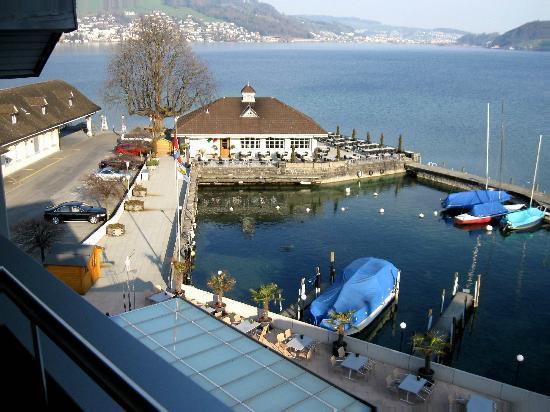 Hotel Winkelried: Aussicht vom Zimmer auf den See