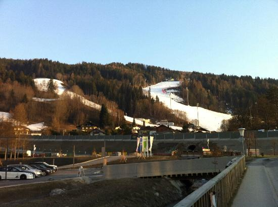 Sporthotel Royer: view of Planai ski slopes from the hotel
