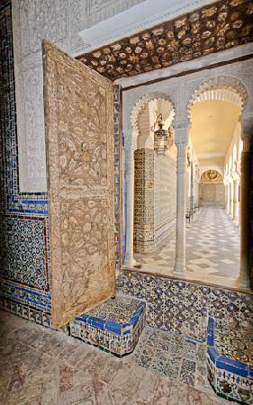 Casa de Pilatos: Casa Pilatos hallway