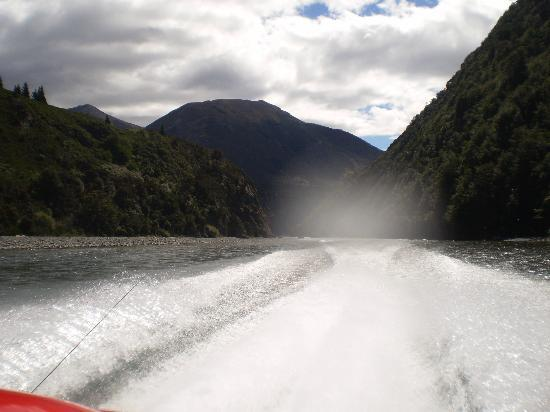 High Country Explorer Tours: jet boat ride