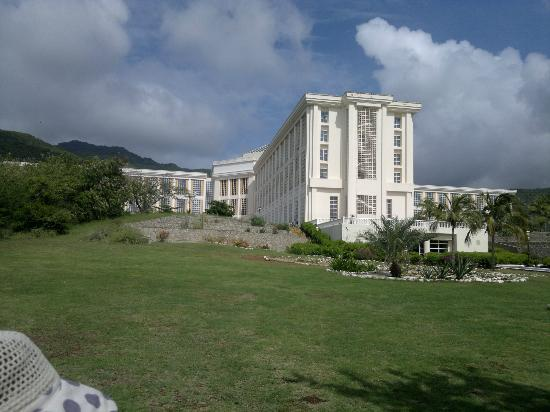 Hesperia Isla Margarita: vista desde los jardines