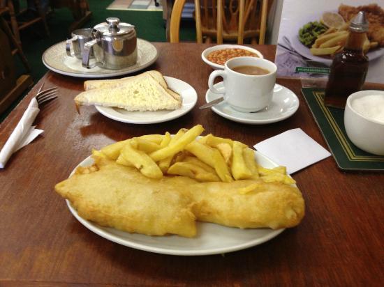 Barnacles Chip Shop: My dinner...yummy!