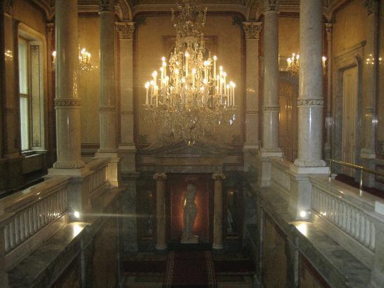 Hotel Imperial Vienna: grand escalier d'honneur