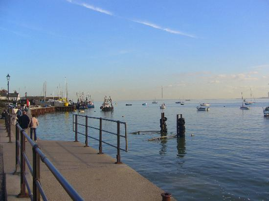 Old Leigh: Leigh Creek looking out towards Southend Pier and the estuary.