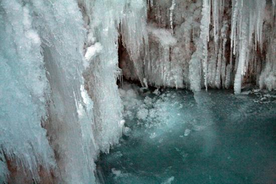 Zammer Lochputz: Vereisungen unterhalb der Steige