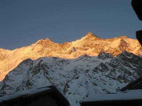 Hotel Garni Bergheimat : The Dom mountain, Switzerland's highest summit