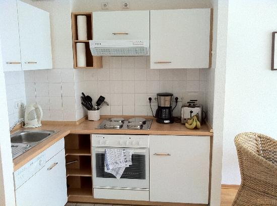 Checkpoint Inn : Kitchen fully equiped