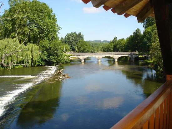 Dordogne, France: The barrage on the river Dronne