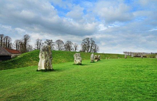 Avebury Manor: Avebury Standing Stones