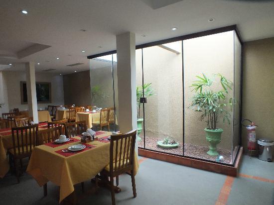 Pousada Cambuca de Cabo Frio: sala colazione