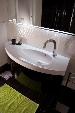 La CoCCa Charming House : Sala da bagno