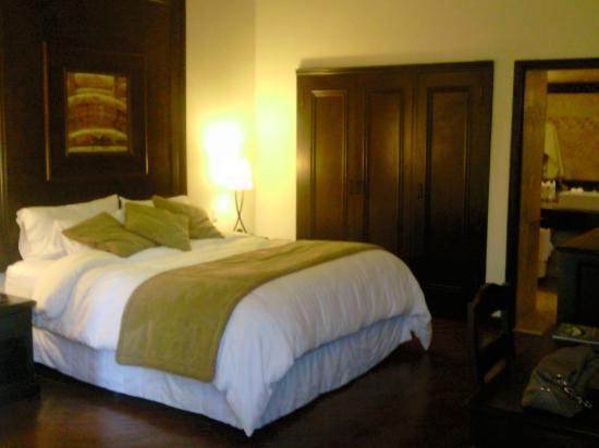Camino Real Antigua: Our bed