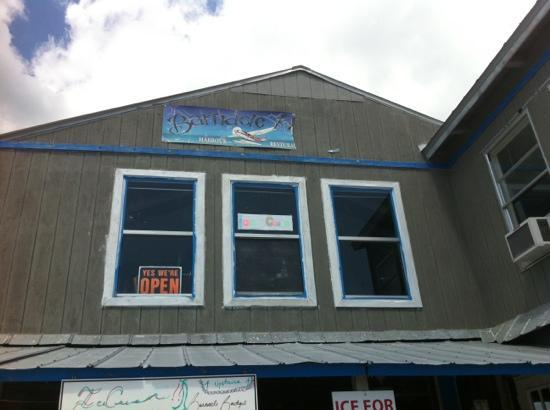 Barnacle Restaurant: Ice Cream Parlor- closed most of week