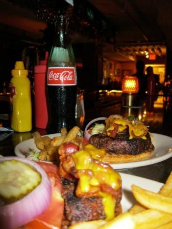 Frog and Monkey Restaurant & Pub: The food has always been great with a fun atmosphere