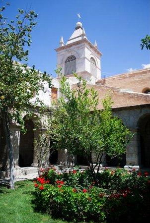 Convento e Museo dell'arte coloniale di Santa Teresa