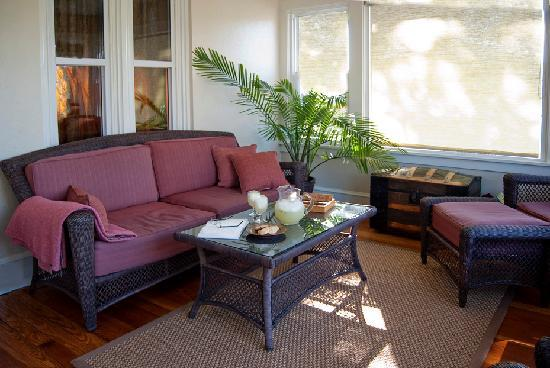 Brayton Bed and Breakfast: Front Porch