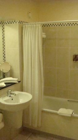 Hotel Doolin: bathroom...