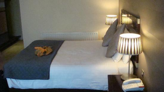 Hotel Doolin: good size of bed