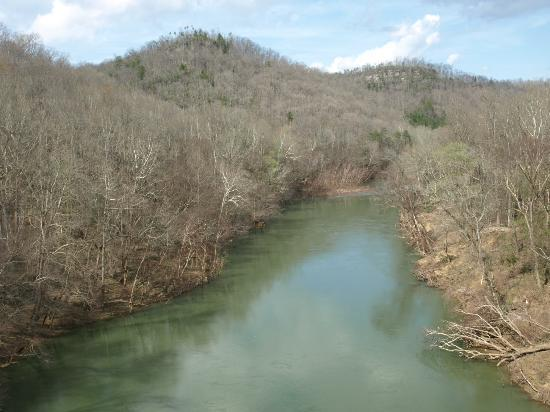 Big South Fork National River & Recreation Area: View at Blue Heron of the river below the old train bridge.