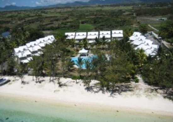 Belle Mare Plage Private Villas: Aerial view