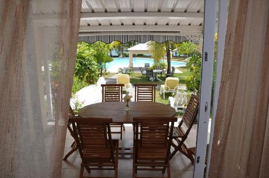 Belle Mare Plage Private Villas: Dining with sea view