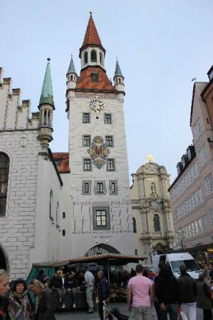 Old Town Hall (Altes Rathaus): The tower of the old town hall