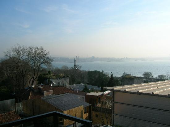 Hotel Peninsula: View of Sea of Marmara from hotel terrace