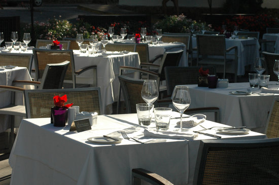 Elviria Restaurante: Open air Terrace