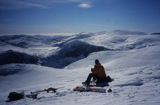 Glenmore Lodge: Winter Mountaineering & Skiing