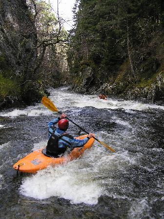 Glenmore Lodge: White Water Kayaking