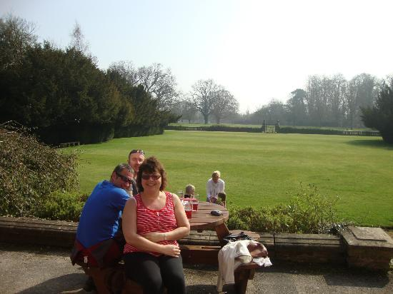 Bosworth Hall Hotel & Spa: Drinks on the Terrace
