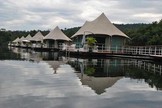 4 Rivers Floating Lodge: General view