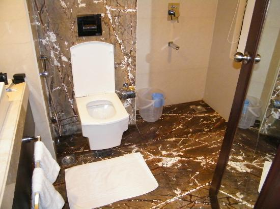 Club Mahindra Udaipur: bathroom