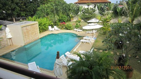Babylon Pool Villas: Piscina