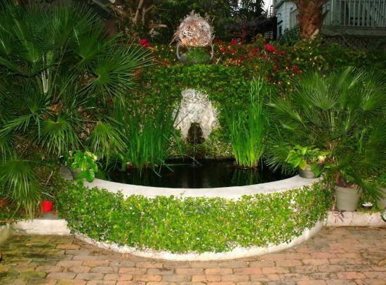 Fountain and goldfish pond at the dresser palmer house for Goldfish pond pump