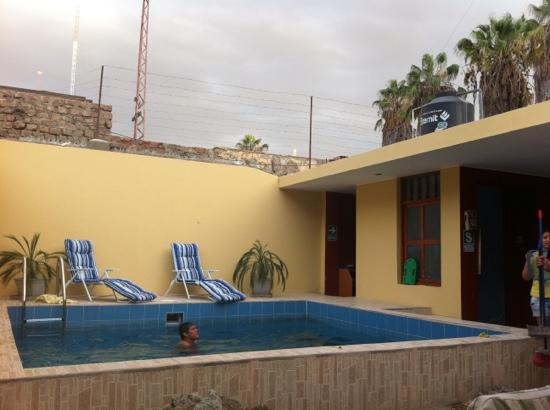 Sand and Lake Hostel : the pool