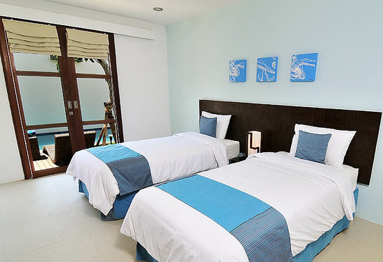 Arama Riverside Villas: twin room