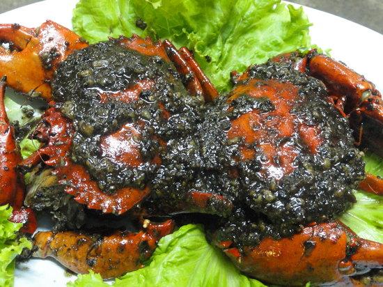 Bert's Garden Seafood Medan Ikan Bakar Batang Tiga: Black Peppered Crab