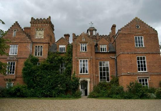 Gissing Hall Hotel: even on a dull day it's beautiful