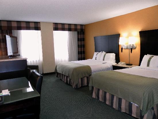 Holiday Inn Rochester Downtown: 2 Queen Bed Room