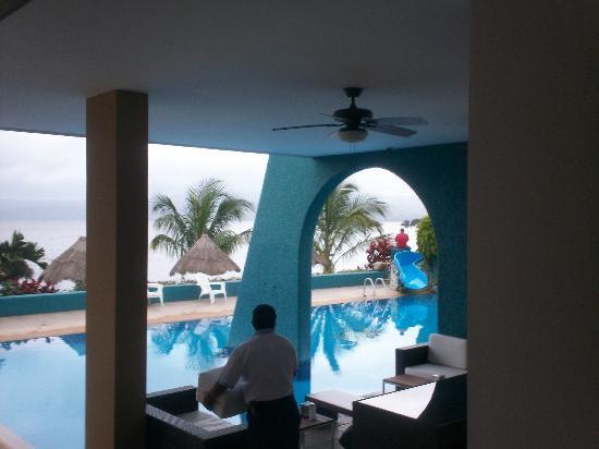 Hotel La Finca: area de alberca