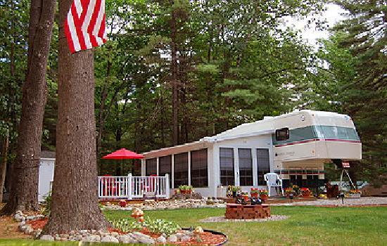 Ledgeview Village RV Park: Memories in Season