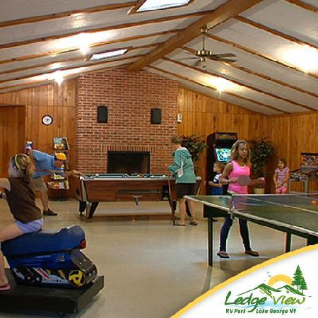 Ledgeview Village RV Park: Rec Hall