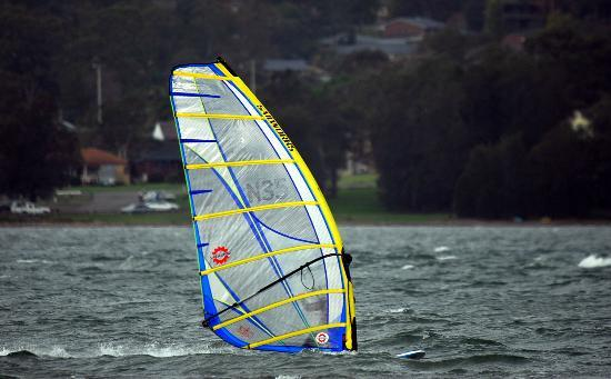 Lake Macquarie: Sailboarding at Marmong Point