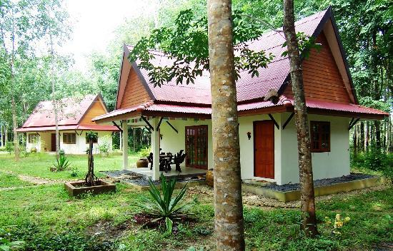 Manora Garden: two rooms in one bungalow