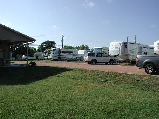 Granite Rock RV Park: A full park for the Marble Falls Boat Races.