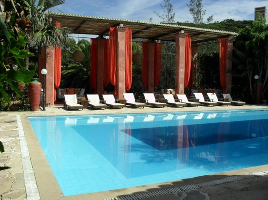 Pousada Pedra Da Laguna: the gazebo in front of the pool