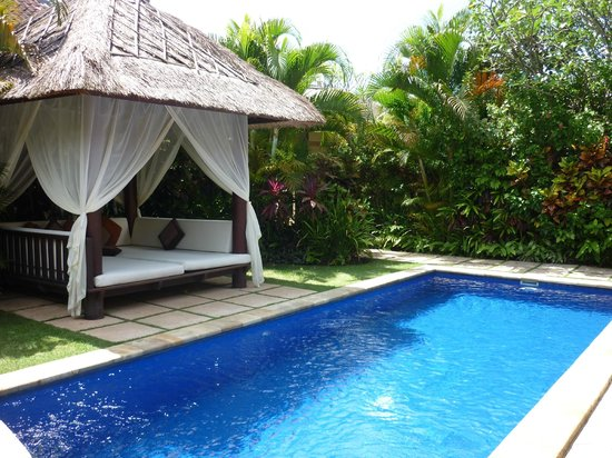 The Zen Villas: Bale and pool