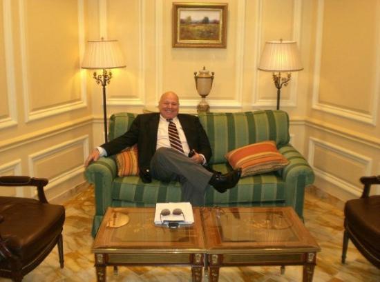 Willard InterContinental Washington: Hotel lobby/Round Robin Bar - President Grant visited the Willard Hotel and enjoyed his brandy/c