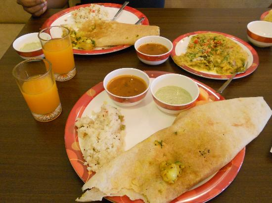 Suman raj Resort : Breakfast